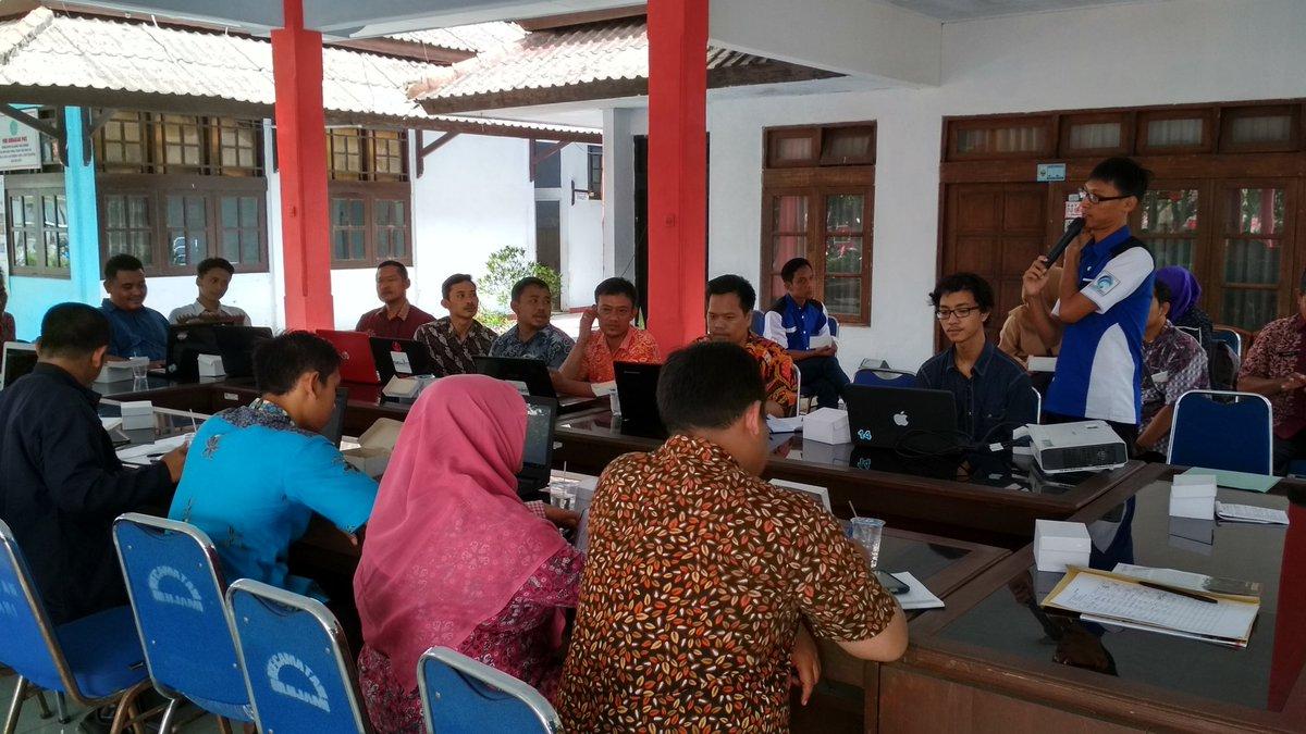 Pelatihan Website Desa